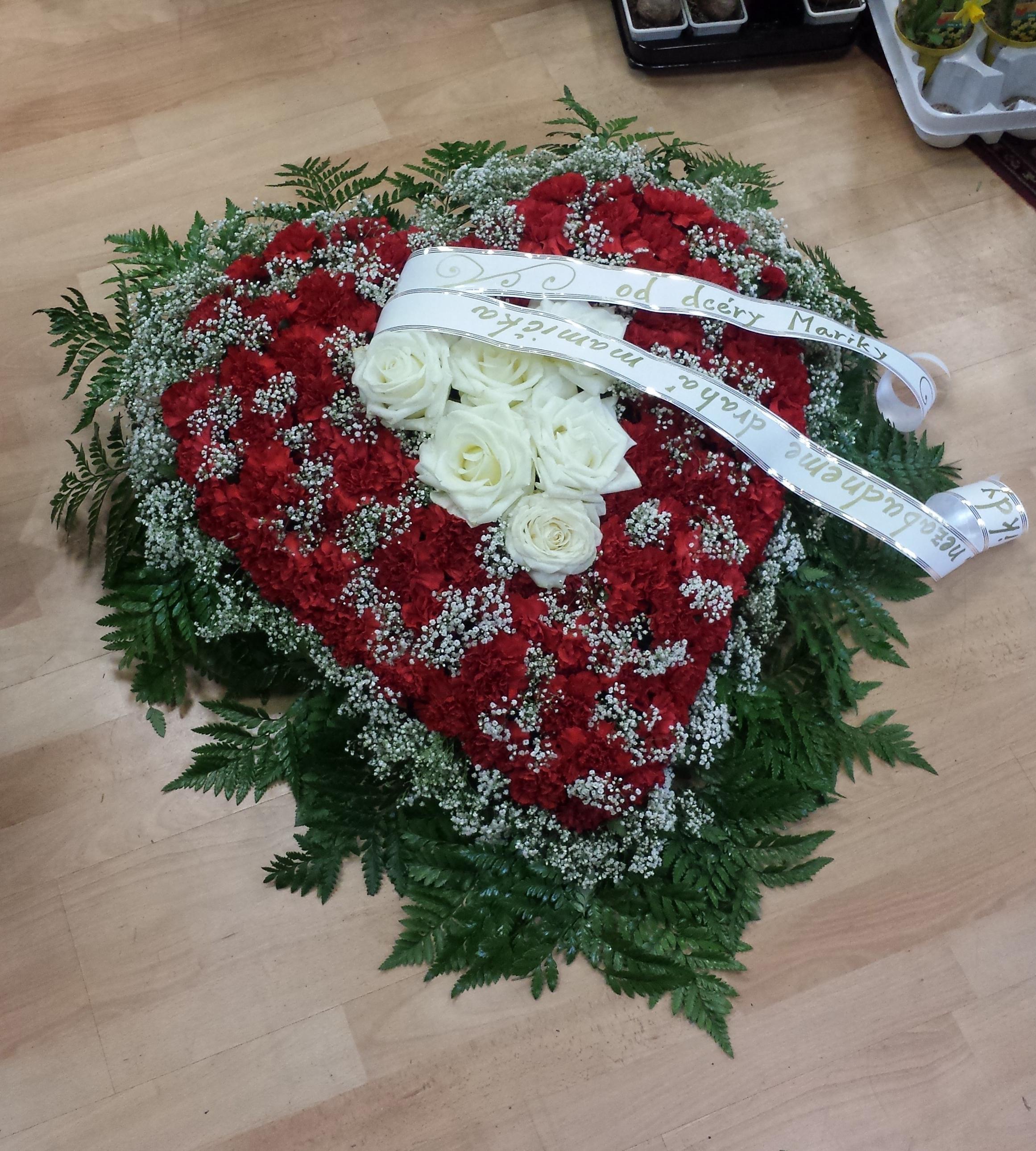 f0dcd2e41 Smútočný veniec | Kvetinárstvo Michaela – Bratislava